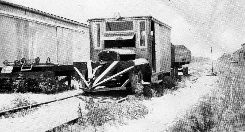 rail-truck-39-IH-1940-Fells.jpg